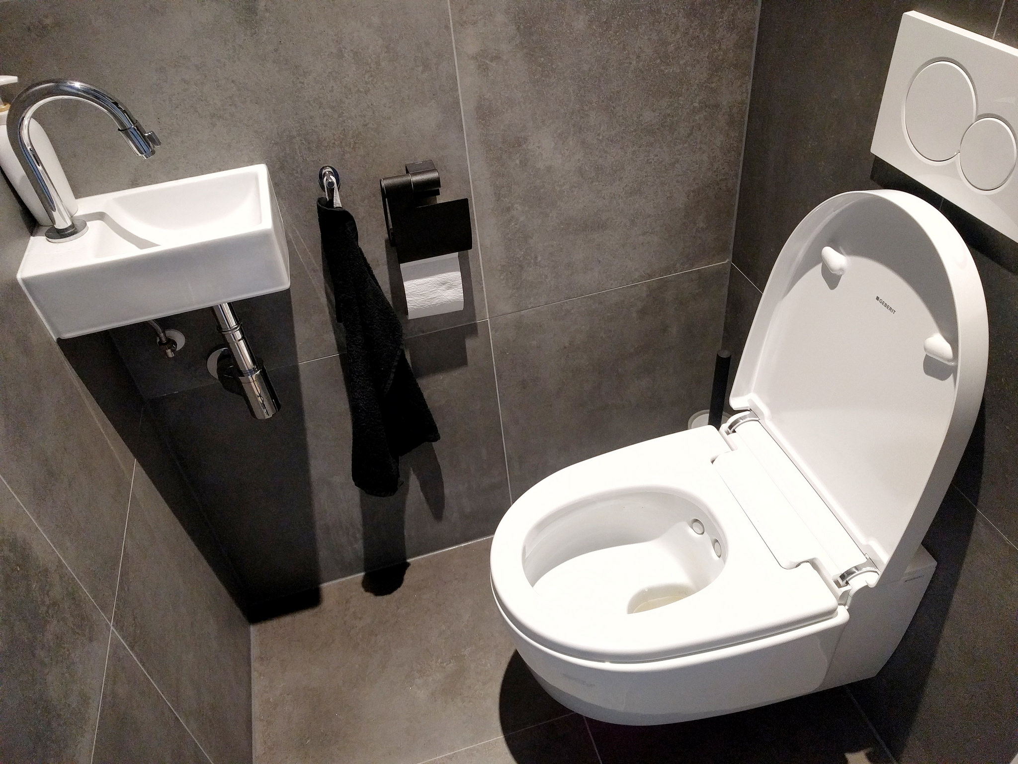Fine Het Fantastische Bidet Toilet She Took The Leap Gmtry Best Dining Table And Chair Ideas Images Gmtryco